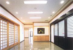 薬林寺会館エントランスホール