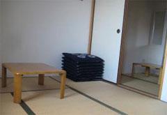 平和の森会館2階和室控室