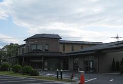 谷塚斎場東館と南館