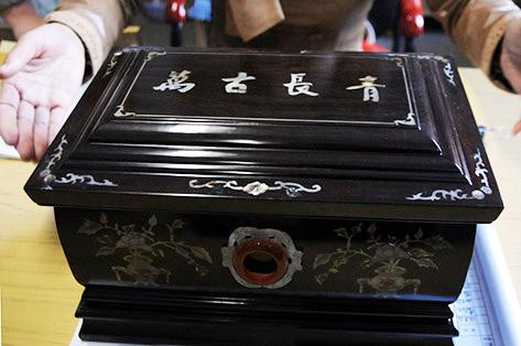 中国の骨壺写真